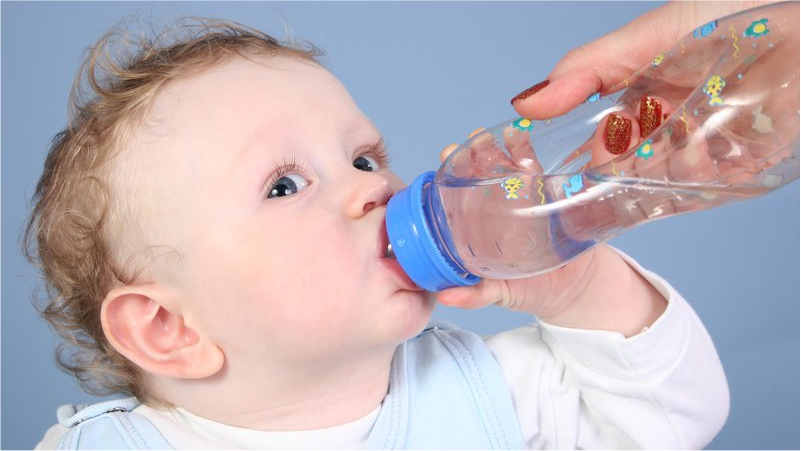 Drink-More-Fluids-will-Provide-Your-Child-Enough-Relief-in-Fever