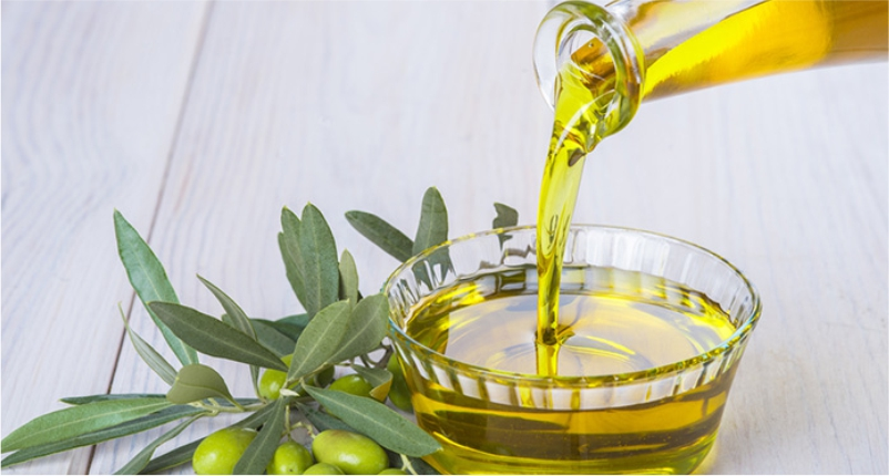 Olive-Oil-is-the-best-baby-massage-oil-for-your-little